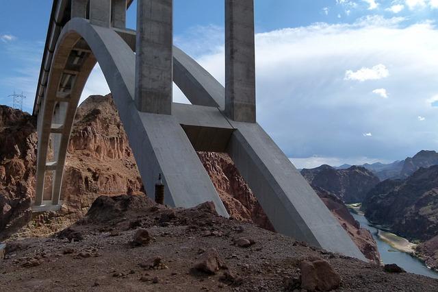 bridge-94416_640