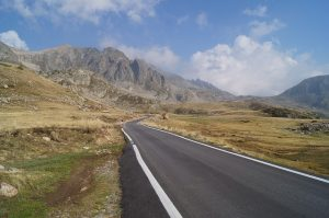 road-413136_640