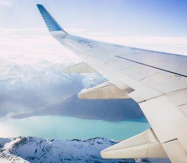 airplane-2594963_1920